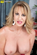 Annette craves to look at you jack off
