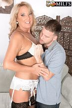 Mia makes a cuckold with out her hubby