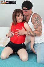 The recent British HORNY HOUSEWIFE fucks the delivery boy